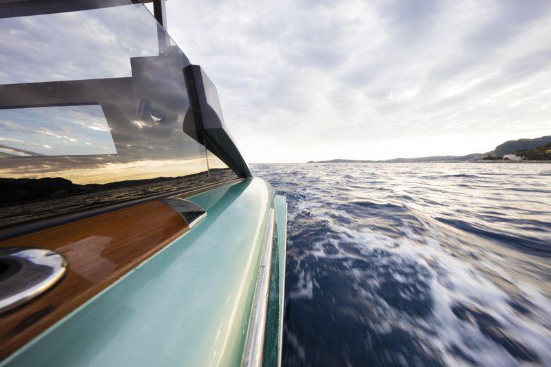 Hodgdon yachts 10.5 meter custom limo tender2016-details