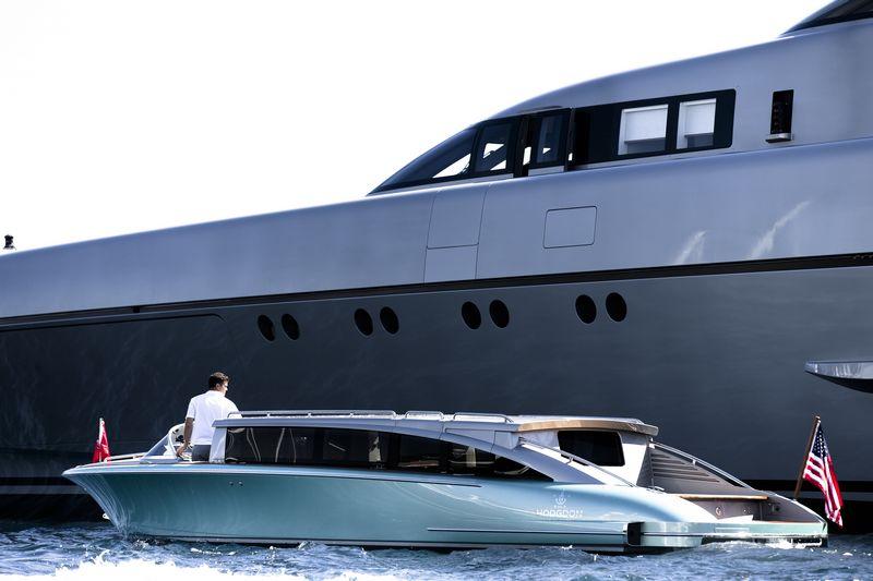 Hodgdon yachts 10.5 meter custom limousine tender 2016 -2luxury2-001