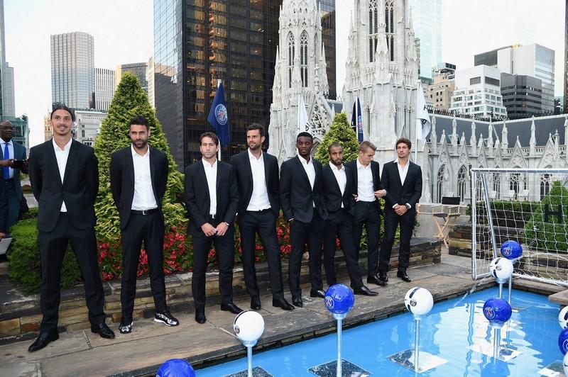 Hublot and PSG - Paris Saint-Germain score atop Rockefeller Center to reveal the new Hublot  Big Bang Unico Bi-Retrograde Paris Saint-Germain