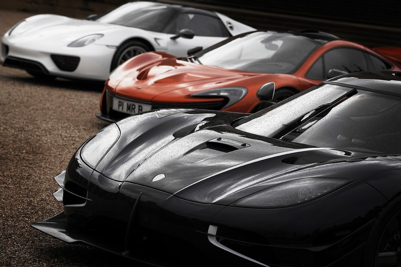 Inaugural Cars & Coffee meets from the UK's leading luxury super and classic car show-2016