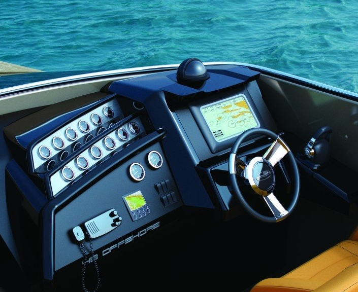 Intermarine 48 Offshore by Viviane Nicoletti - what a high speed boat should be