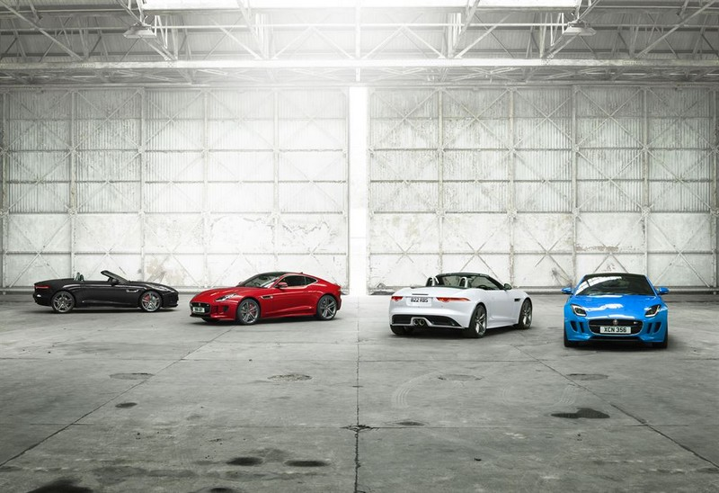 Jag_F-TYPE_British Design Edition-2016-white blue red---