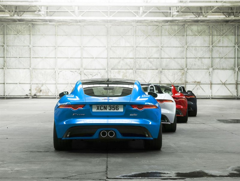 Jag_F-TYPE_British Design Edition-2016-white blue red
