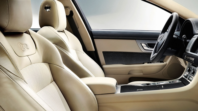 Jaguar XF 2015-