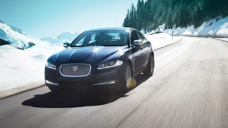 Jaguar XF 2015--