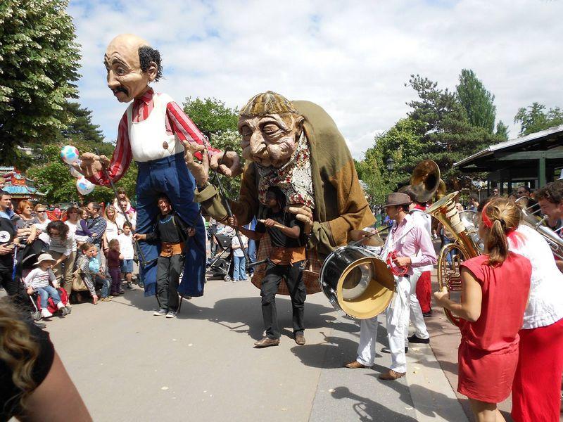 jardin-dacclimatation-paris-france-marionettes