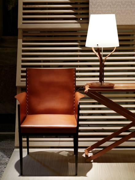 maison herm s en lumi re the pantographe and harnais lighting 2luxury2 com. Black Bedroom Furniture Sets. Home Design Ideas