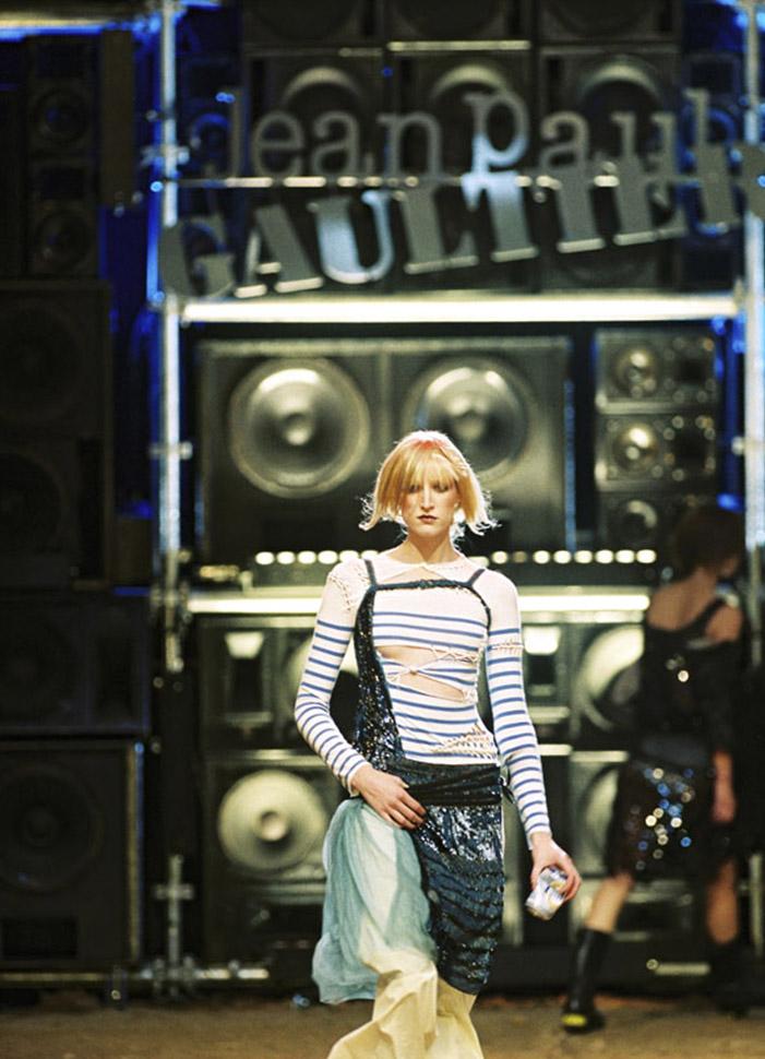 jean-paul-gaultier-iconic-designs-le-marinaire-runway