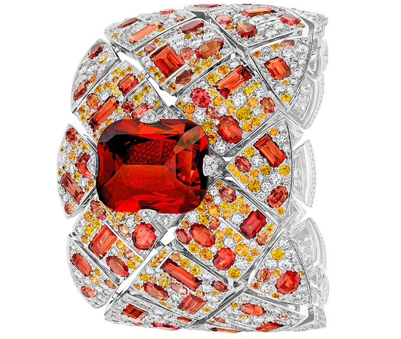 jewellery-watch-prize-signature-grenat-is-chanel-secret-watch-of-the-year