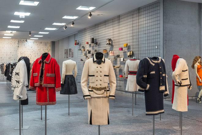 KARL LAGERFELD MODEMETHODE exhibition Bundeskunsthalle Bonn