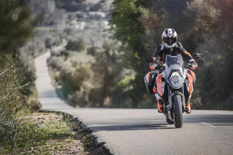 KTM 1290 SUPER DUKE GT_the fastest V-twin Sports Touring bike in the world--