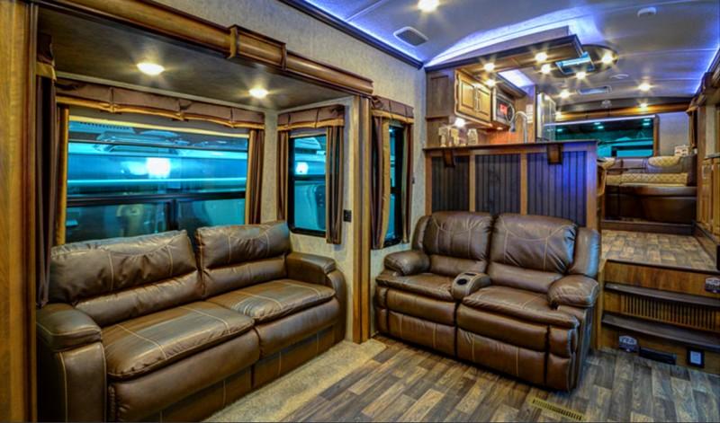 Keystone Montana 3820FK-interior--
