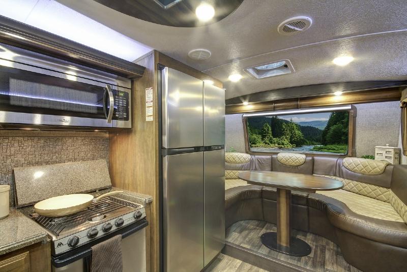 Montana 2016 Front Kitchen