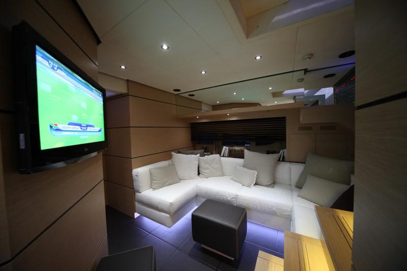 Kifaru Askari 657 yacht-interior---