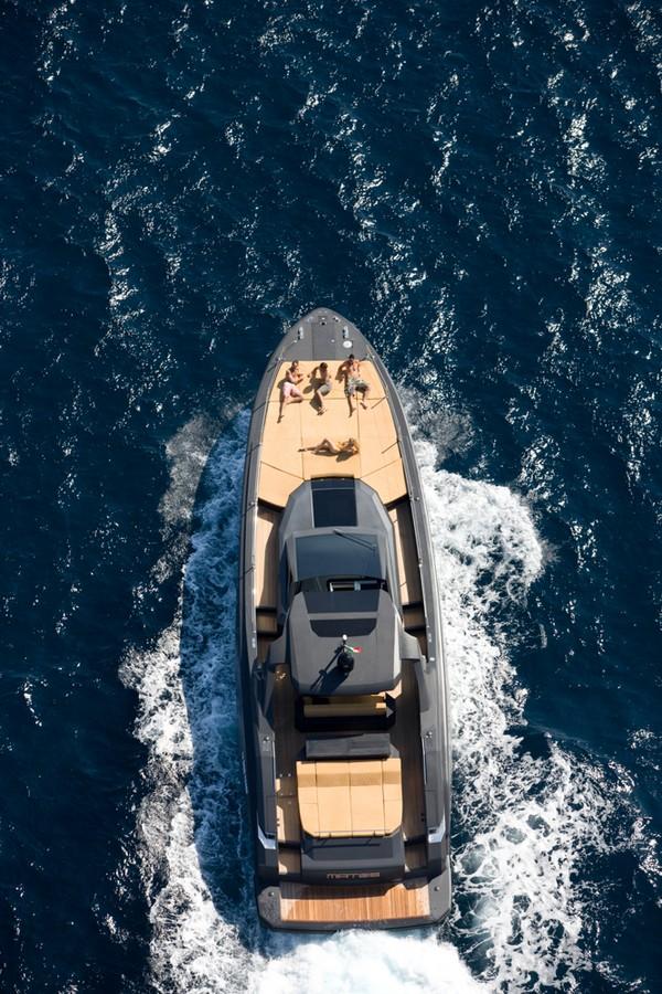 Kifaru Askari 657 yacht-interior---from above