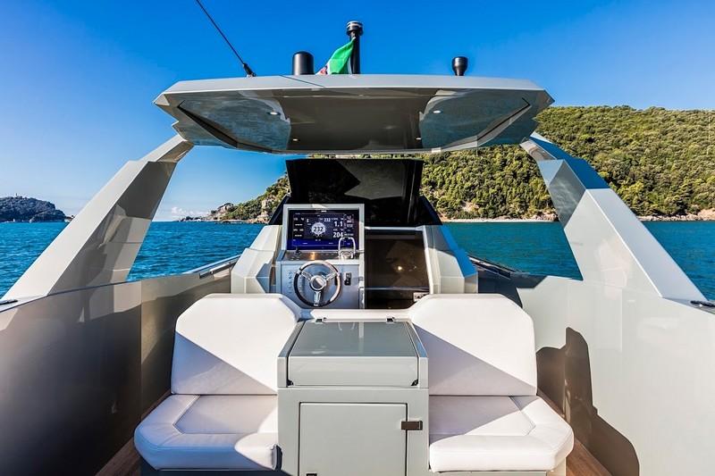 Kifaru Baby Yacht 2015 model-001