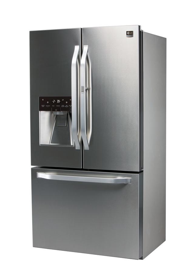 LG Studio's artistic advisor and renowned interior designer Nate Berkus has inspired the design of this new LG Studio 3-Door Counter-Depth French refrigerator