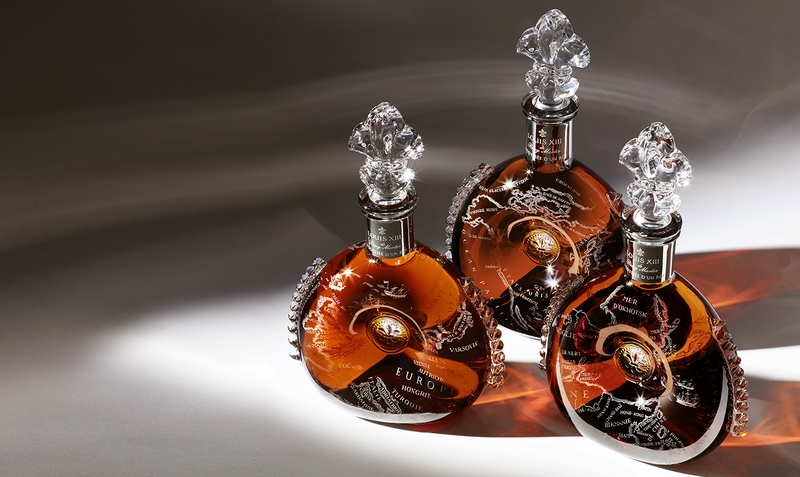 LOUIS XIII Cognac L'Odyssee d'un roi bottles