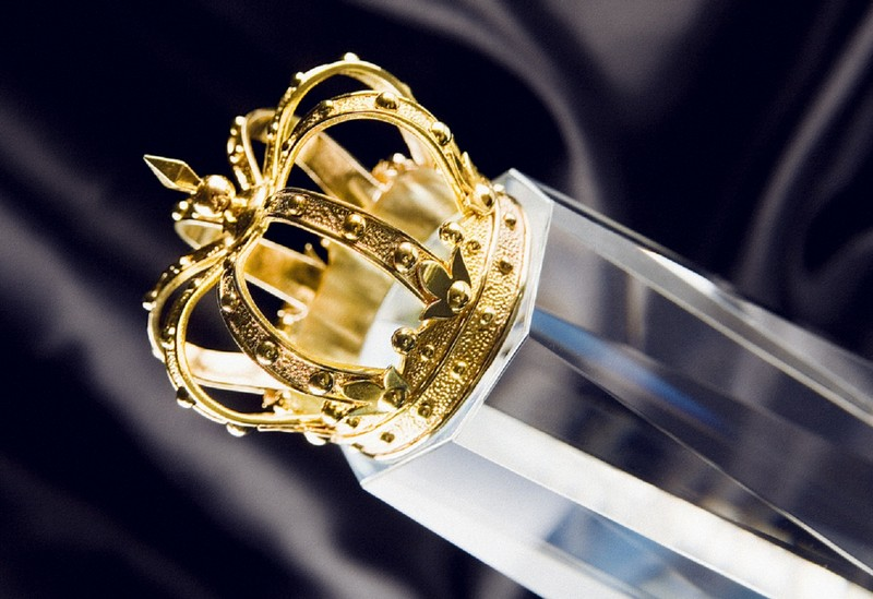 LUXURY LIFESTYLE AWARDS Golden Crown trophy