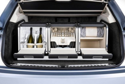 The Linley Hamper by Mulliner. A champagne reception. Anywhere.