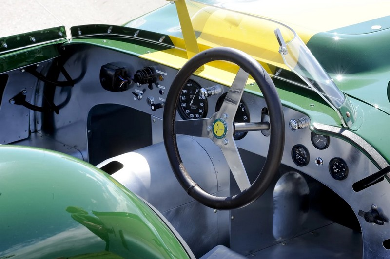 Lister Jaguar Stirling Moss Edition 2016-2luxury2-