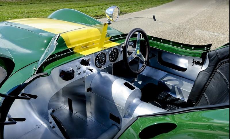 Lister Jaguar Stirling Moss Edition 2016-2luxury2