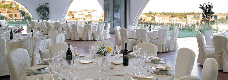 Location for weddings in Siena - find out why the Hotel Garden can be the perfect choice-restaurants
