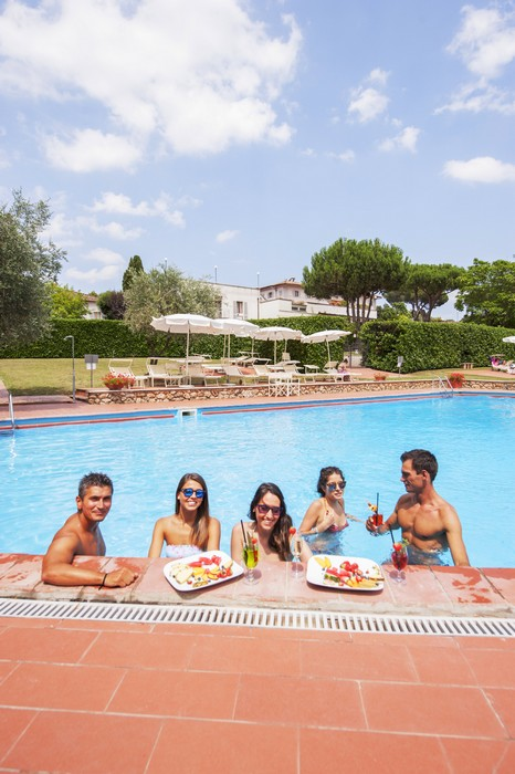 Location for weddings in Siena - find out why the Hotel Garden can be the perfect choice-swimming pool