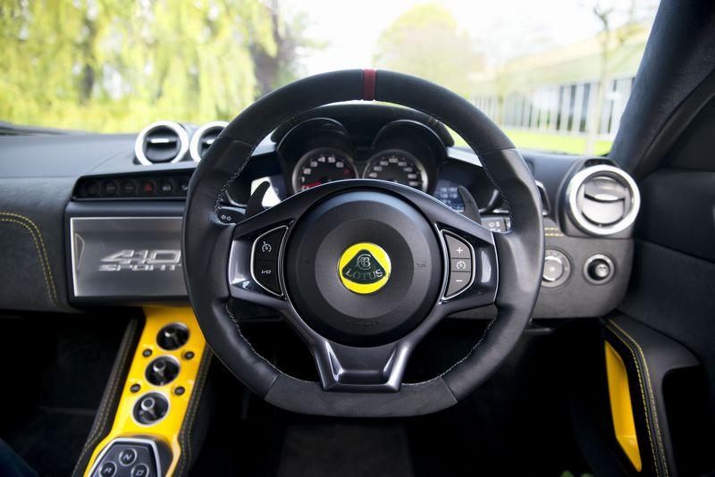 lotus-evora-sport-410-cockpit