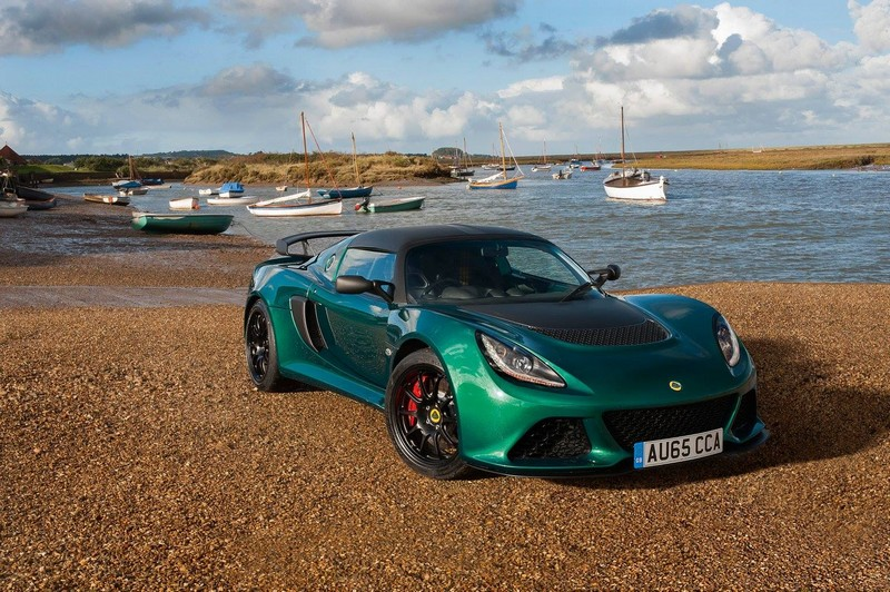 Lotus Exige Sport 350-green - in marina