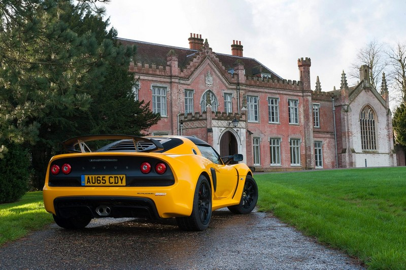 Lotus Exige Sport 350-yellow castle rear