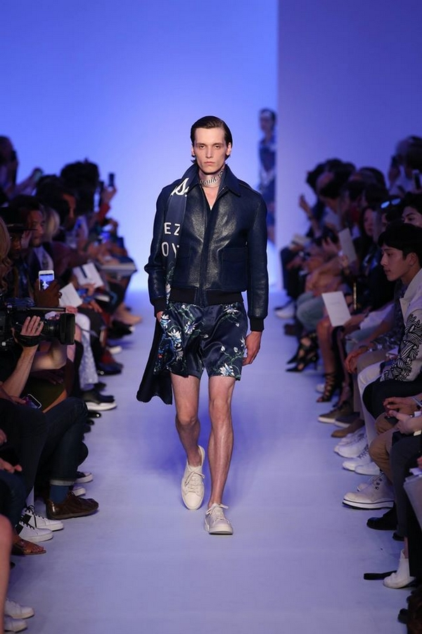 Louis Vuitton Men's Spring 2016 Fashion Show Men-