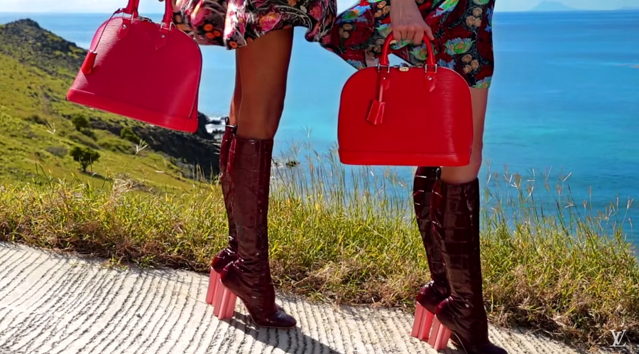 Louis Vuitton Sprit of Travel 2015-video caption - 2luxury2 com