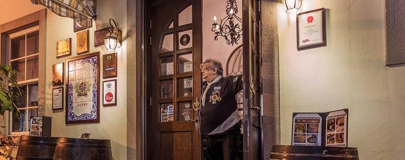 Luxury Lifestyle Awards is pleased to introduce Antonio Coleho - The Chief of elegant Antonio -2016
