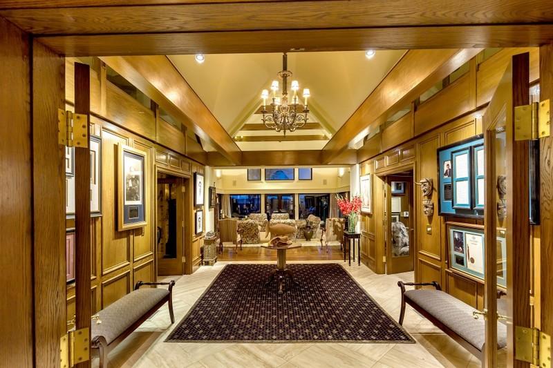 Luxury Victoria Property - 2016 photos