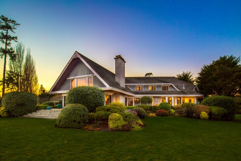 Luxury Victoria Property - exterior