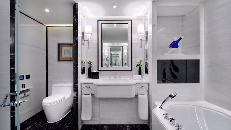 Luxury hotels 2016 - Peninsula-Beijing-revamped-bathroom