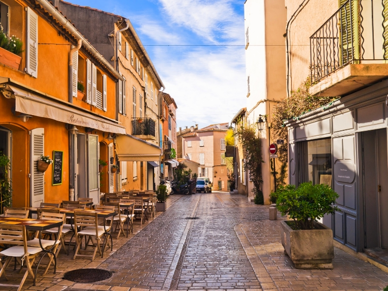 MYS-046 European Shopping Experiences for Superyacht Charter Guests-Morning Market, Aix en Provence