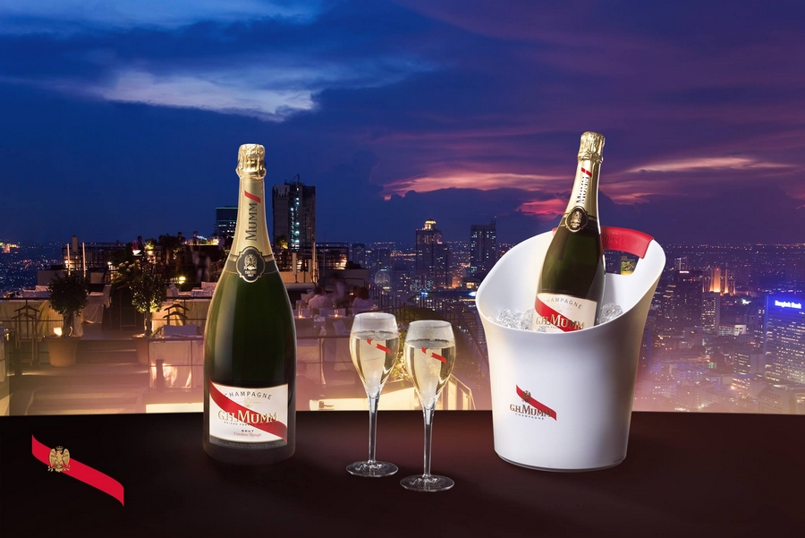 Maison Mumm unveils the world's first connected champagne bottle-