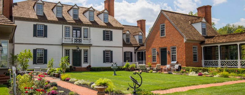 maplevale-manor-a-rare-14-acre-majestic-colonial-mansion