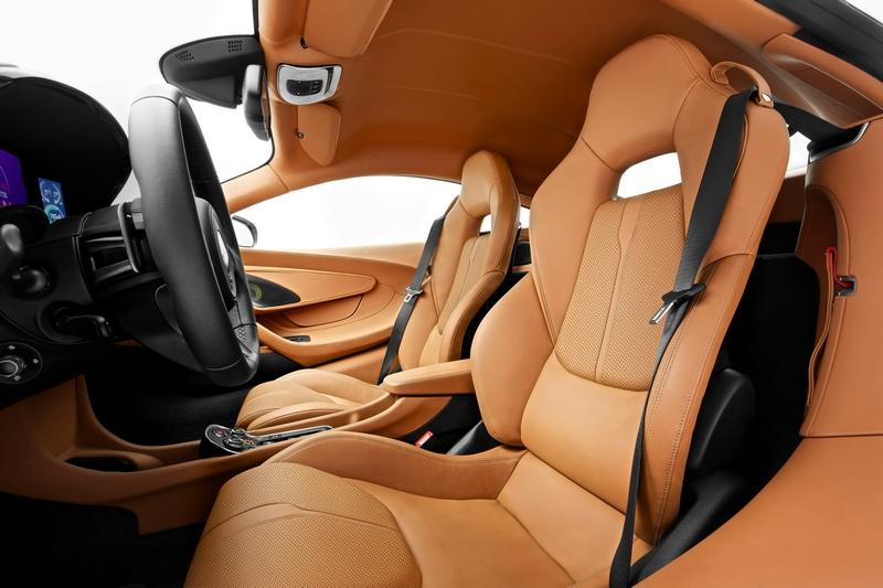McLaren Sports Series - 570S Coupé debuts in New York 2015-interior-