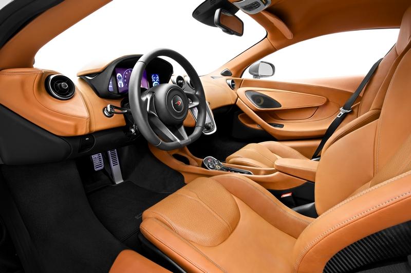 McLaren Sports Series - 570S Coupé debuts in New York 2015-interior 2