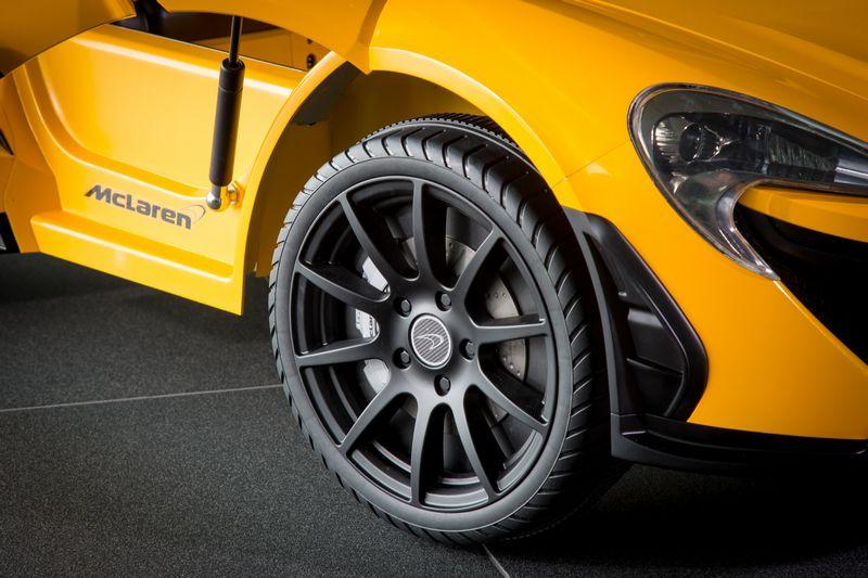 mclaren-offers-a-pure-electric-mclaren-p1-2016-mclaren-p1-toy-car-2luxury2