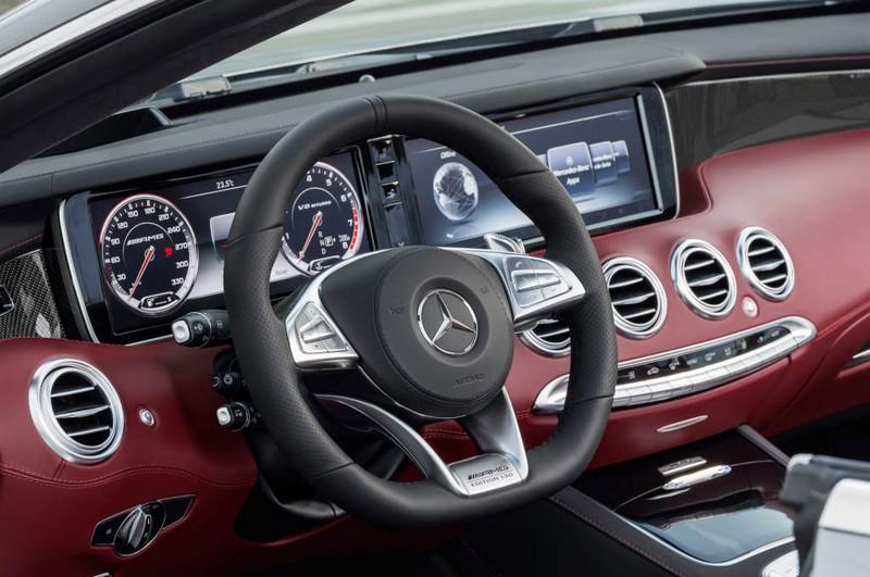 Mercedes-AMG S 65 Cabriolet - bengal red cockpit