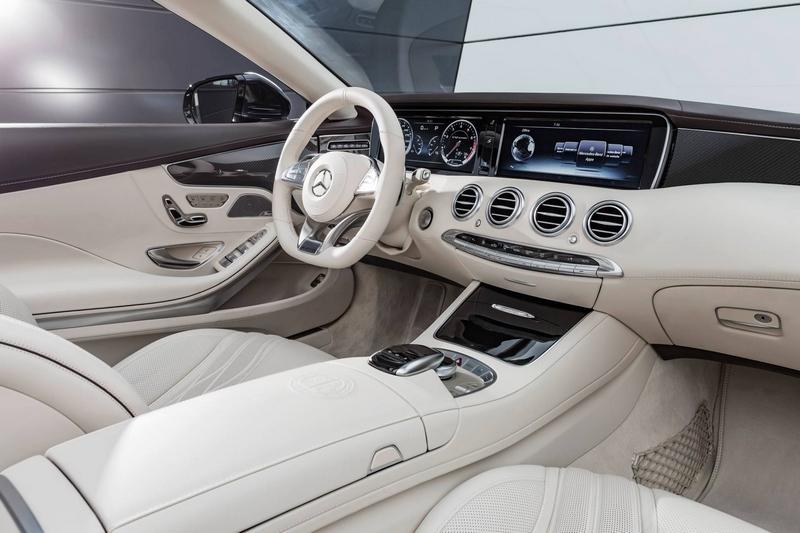 Mercedes-AMG S 65 Cabriolet- interio