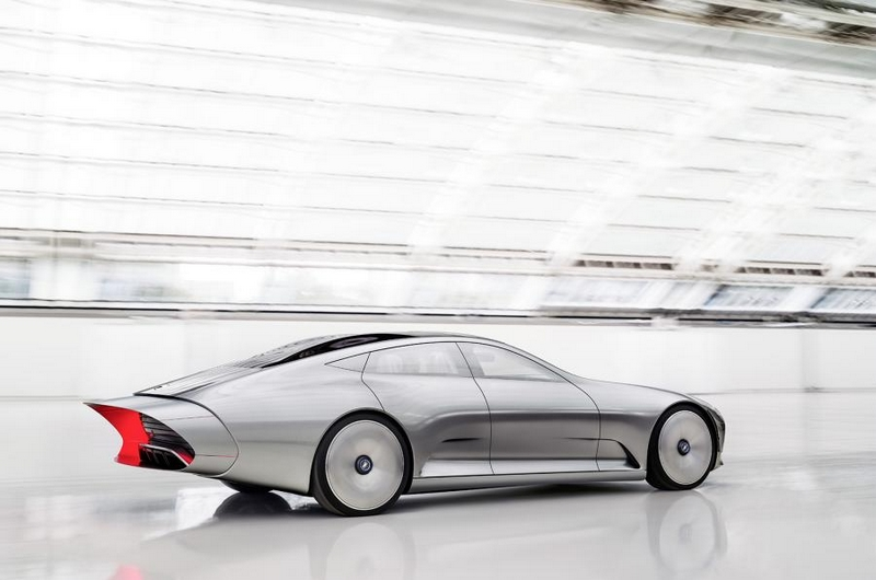 Mercedes-Benz Concept IAA with extendable body