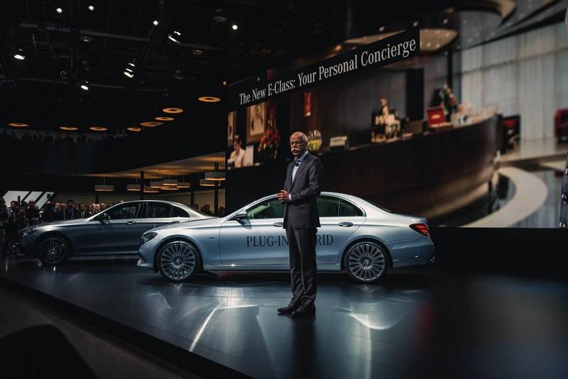Mercedes Benz at NAIAS 2016-presentation