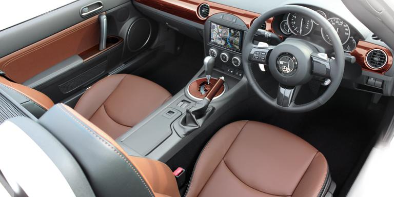 Mitsuoka Roadster model - interior