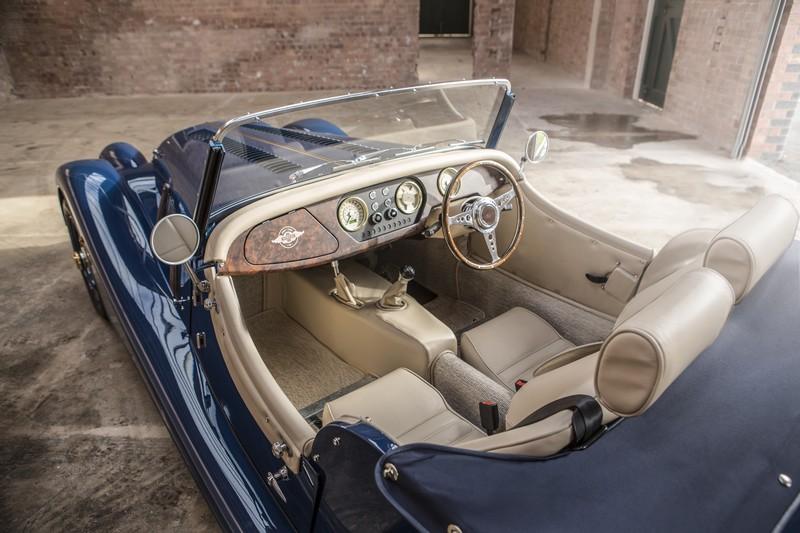 Morgan Motor Company - 80th44h1-car