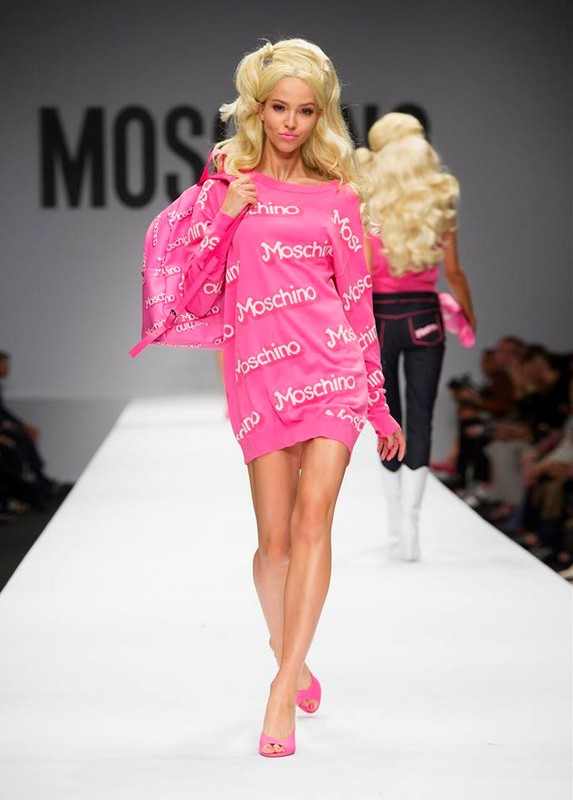 Moschino SS 2015 barbie look